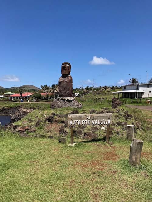 Easter Island Ahu Vaikava Moai