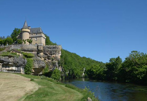 Luxury Dordogne chateau to rent