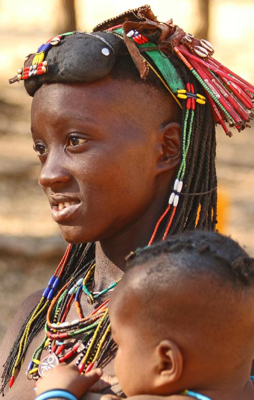 Hakaona woman, Angola